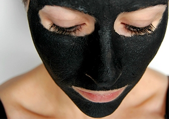 Evde kömür maskesi yapımı